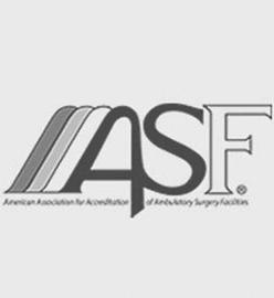 La Asociación Americana para la acreditación de las instalaciones de la cirugía ambulatoria logotipo para Carolina Cirugía Plástica Facial en Charlotte